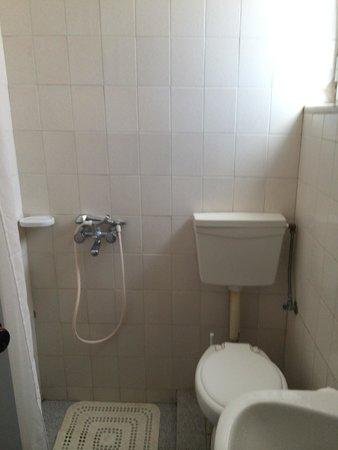 Haridimos Apartments: bagno della camera