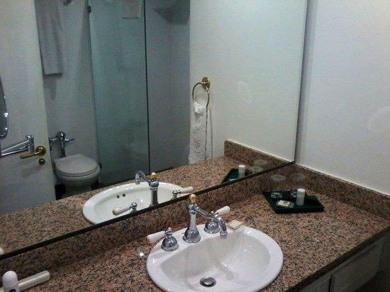 Hotel Le Manoir Bogota: Baño