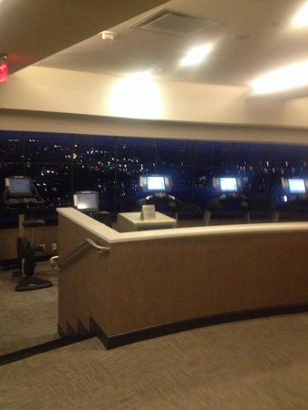 Hyatt Regency New Orleans: View of the city from fitness room nice and roomy