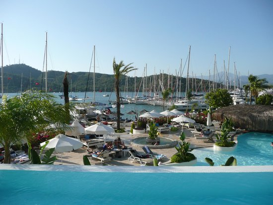 Yacht Classic Hotel: Marina belonging to hotel