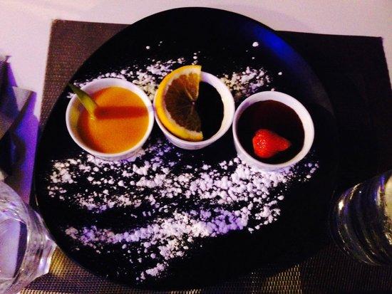 Brasserie du Port om café : Panacotta mangue, chocolat et caramel
