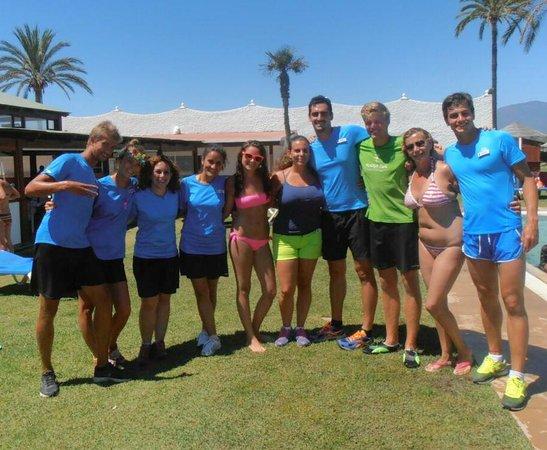 Atalaya Park Hotel & Resort: buena gente