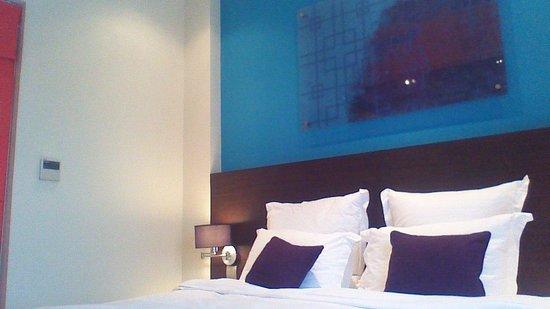 Mercure Hanoi La Gare Hotel: Good sized rooms, neat bathrooms