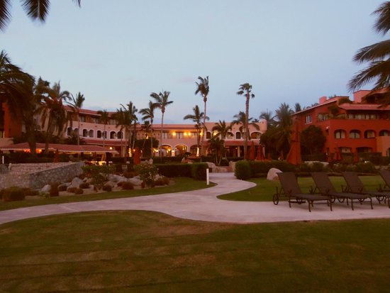 Casa del Mar Golf Resort & Spa : A view of Zoetry Casa del mar from the Beach/Adult Pool