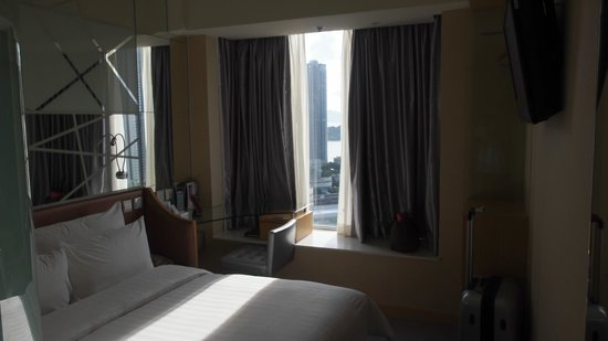 Dorsett Mongkok Hong Kong: View of the room