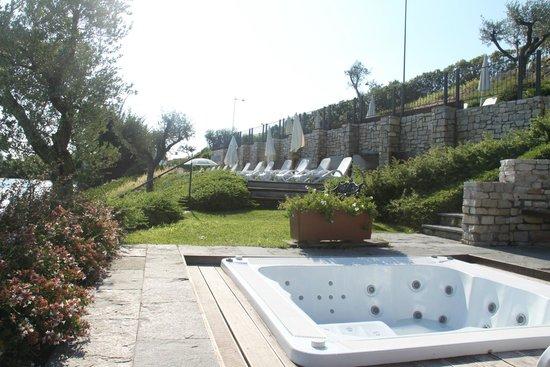 Piscina Foto Di Hotel Acquaviva Del Garda Desenzano Del