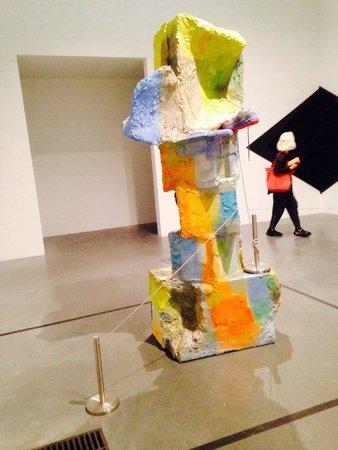 Tate Modern : Think outside the box