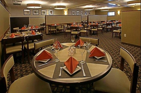 Holiday Inn Baltimore-Inner Harbor: Enjoy Fresh Maryland Cuisine in Eden West