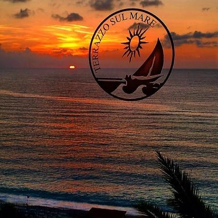 """Hotel Terrazzo Sul Mare: """"Cena con tramonto"""""""