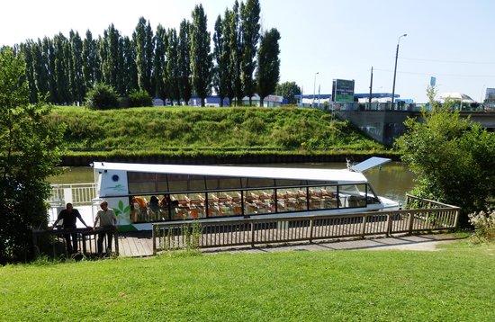 Les Pres du Hem: Le bateau panoramique.