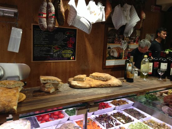 All' Antico Vinaio : the counter