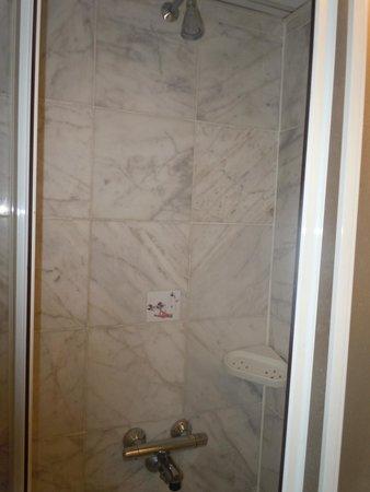 Aksan Hotel: particolare della doccia a 4*