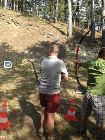 Camping Huttopia Dieulefit : Actvities on offer included Archery