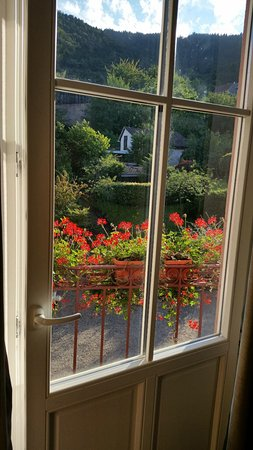 Hotel Haut-Koenigsbourg : Balkonfenster