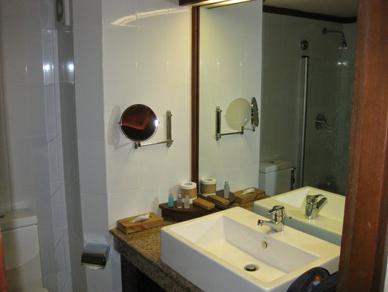 Amaya Hills: Bathroom