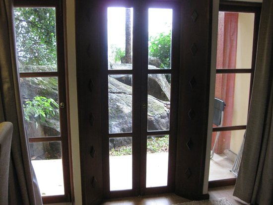 Amaya Hills: Terrace door