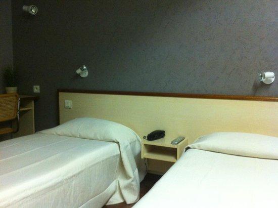 Hotel du Sud : Chambre