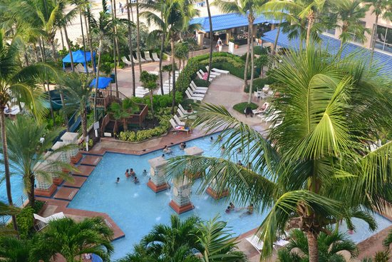 San Juan Marriott Resort & Stellaris Casino : view from our room on the 7th floor of the cabana tower