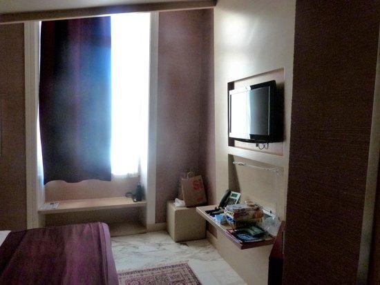Dharma Hotel & Luxury Suites: Junior-Suite