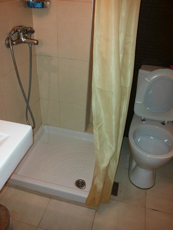 Palmera Beach Hotel : Bathroom - old building