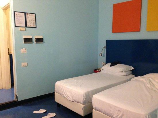 Hotel Correra 241: twin room