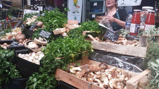 Borough Market: herbs and mushrooms
