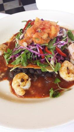 Mustards Grill: fish tacos