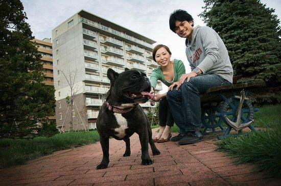 Hakodate Danshaku Club: park in front of the hotel