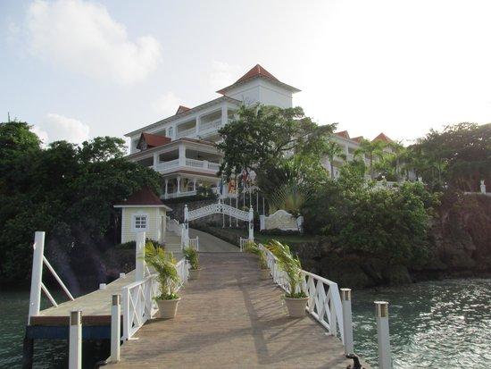Luxury Bahia Principe Cayo Levantado Don Pablo Collection : Landing area and entrance