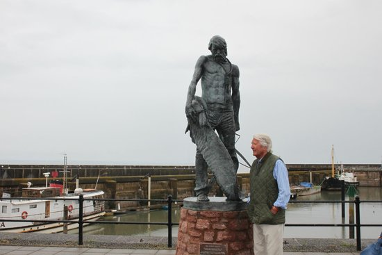‪Ancient Mariner Statue‬