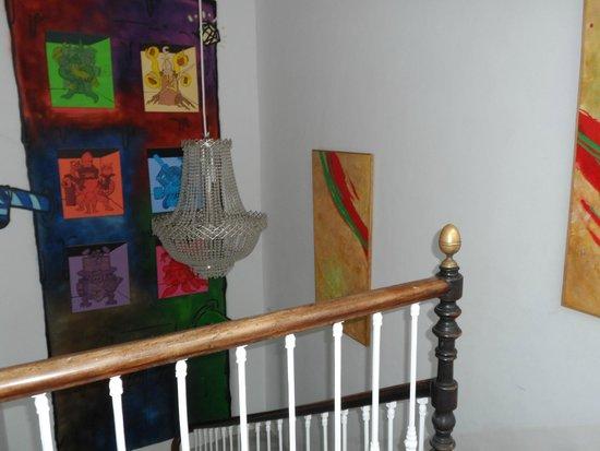 Hostel Alamos 14: parties communes, escaliers