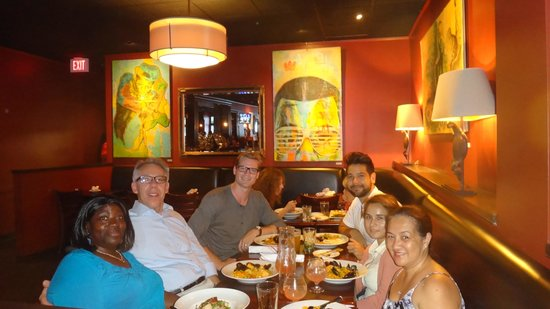 West Side Lounge: Delicious paella!