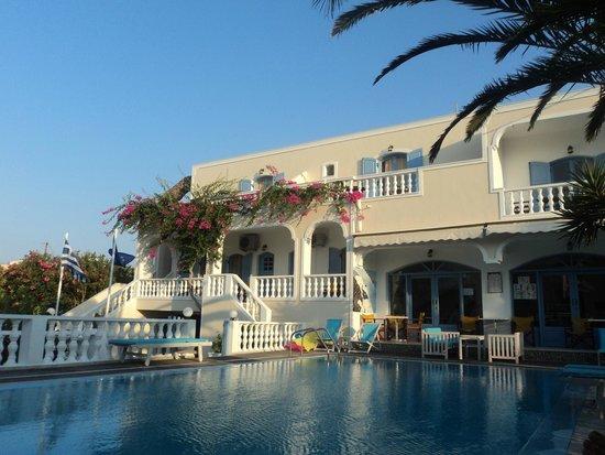 Stelios Place: Pool area