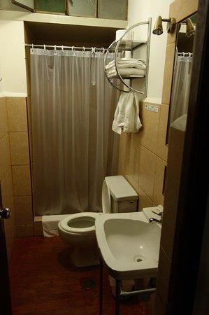 Hotel Majoro: Blick ins Bad
