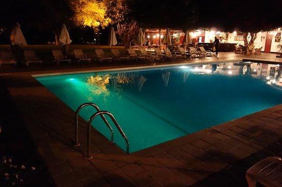 Hotel Majoro: Blick auf den Pool