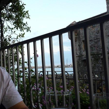 Italia e Lido Hotel: al ristorante in gabbia!