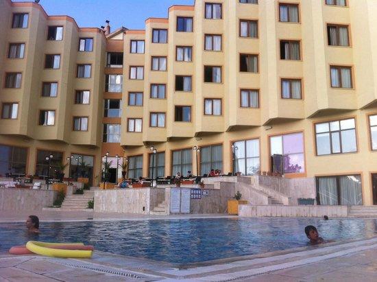Mustafa Hotel: Piscine