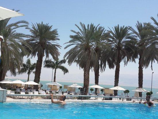 Isrotel Dead Sea Hotel & Spa : The sea