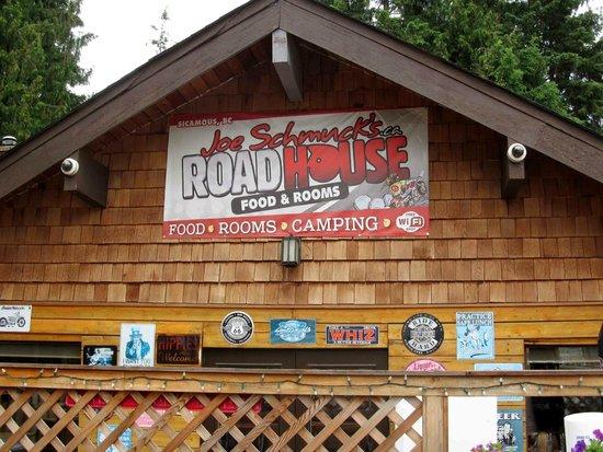Joe Schmucks Roadhouse: restaurant sign