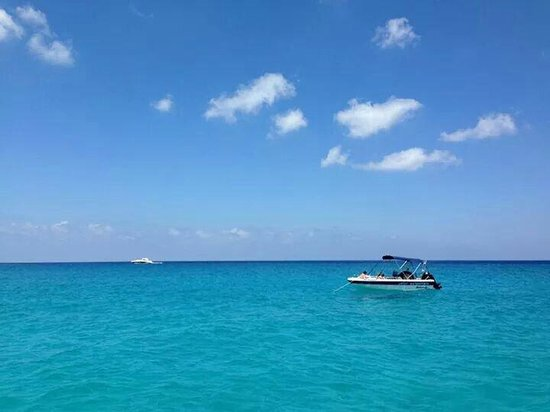 Coral Bay : Blu lagune.....