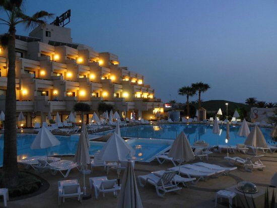 Hotel Gala: Piscina di notte