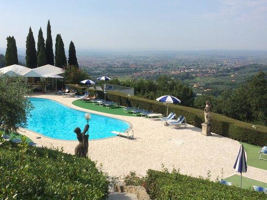 Villa Patrizia Restaurant : Veduta piscina villa patrizia