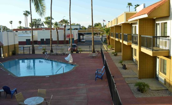 Econo Lodge Inn & Suites : Clarion Inn Mesa