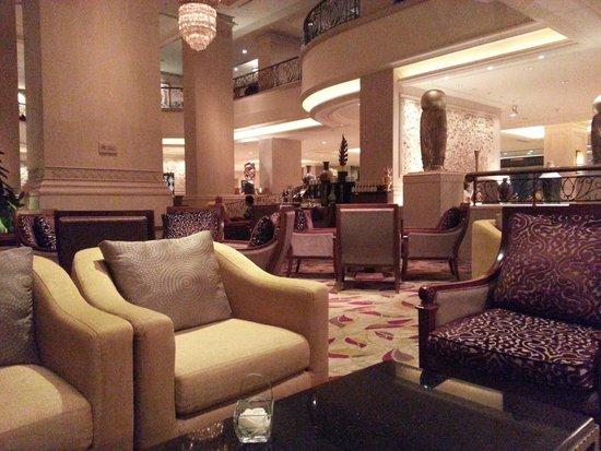 Shangri-La Hotel Jakarta: Lobby Lounge...