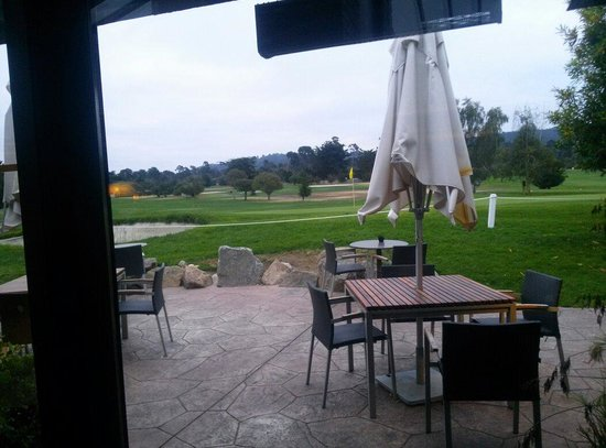 Hyatt Regency Monterey Hotel and Spa on Del Monte Golf Course: Golf course from lobby