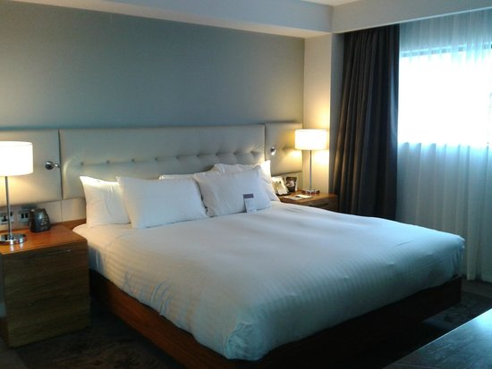 DoubleTree by Hilton Lincoln: comfy large bed
