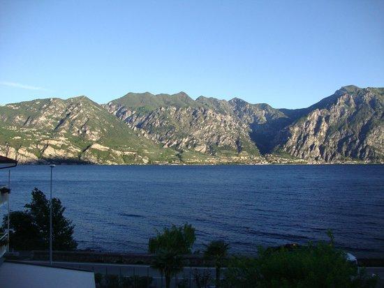 Lago di Garda: Lado de cá, Vêneto; lado de lá, Lombardia.