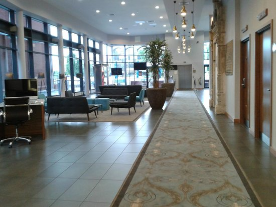 DoubleTree by Hilton Lincoln: reception