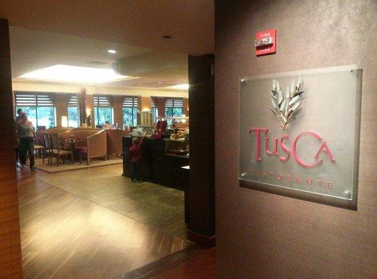 Hyatt Regency Monterey Hotel and Spa on Del Monte Golf Course : Tusca Restraunt