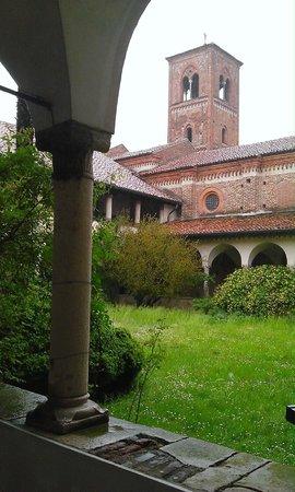 Abbazia di Mirasole: particolare del chiostro